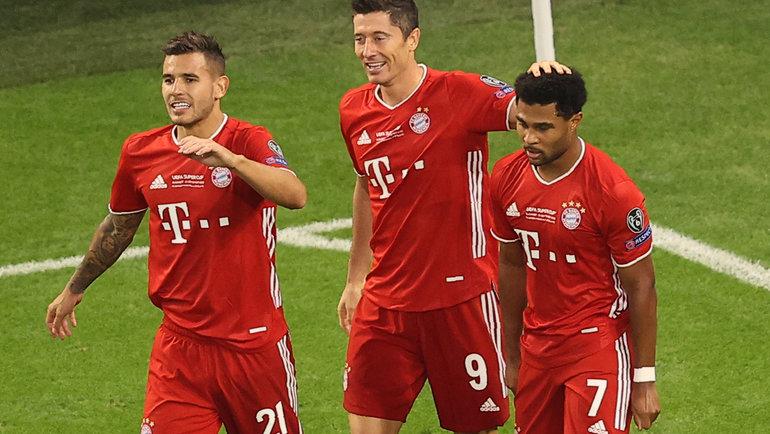 Вэтому году нападающий Роберт Левандовски (№9) и «Бавария» выиграли пять трофеев. Фото AFP