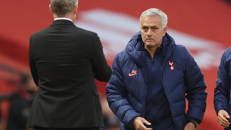 4октября. Манчестер. «Манчестер Юнайтед»— «Тоттенхэм»— 1:6. Жозе Моуринью (справа) иУле Гуннар Сульшер. Фото Reuters