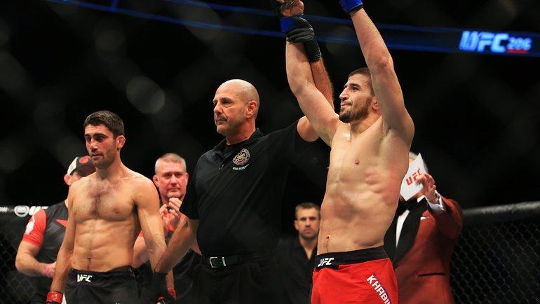 Джейсон Сагго (слева) иРустам Хабилов. Фото AFP