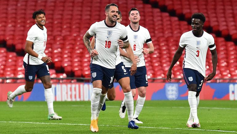 Сборная Англии празднует гол Дэнни Ингса (номер 10). Фото Twitter