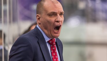 Эпатажный тренер КХЛ Разин обратился к «диванным критикам». Вчем оннеправ