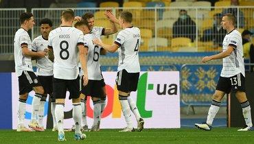 Украина проиграла Германии вЛиге наций, Малиновский забил спенальти