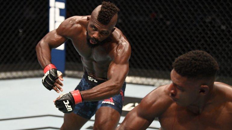 Хоакин Бакли против Импы Касанганая. Фото UFC