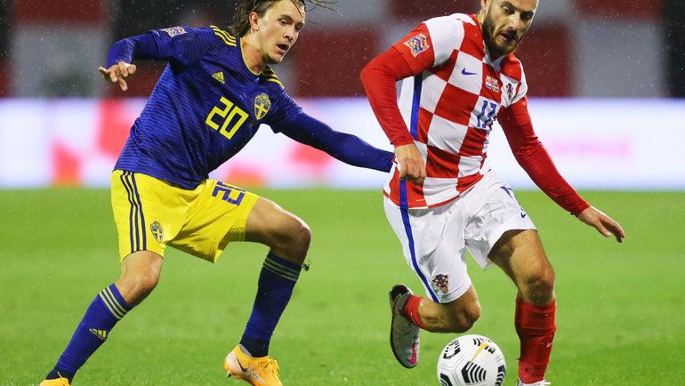 11октября. Загреб. Хорватия— Швеция— 2:1. Никола Влашич (справа) иКристофер Олссон. Фото AFP