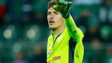 Фанаты «Ливерпуля» после провала Адриана просят подписать Антона Митрюшкина