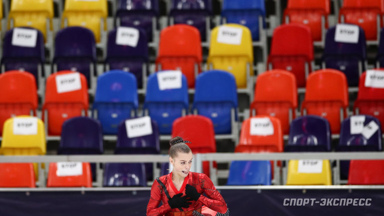 Арина Кшецкая нафоне пустых трибун. Фото Дарья Исаева, «СЭ» / Canon EOS-1D X Mark II
