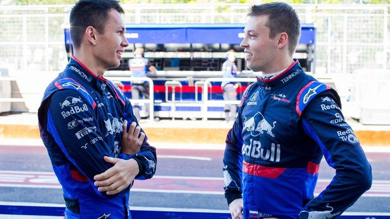 Александр Албон иДаниил Квят (справа). Фото AFP