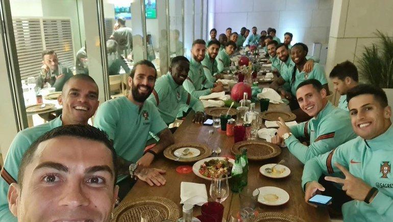 Криштиану Роналду спартнерами посборной Португалии. Фото Instagram