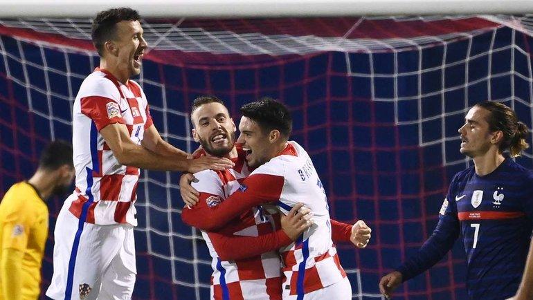 Хорватия празднует гол Николы Влашича в ворота Франции. Фото AFP