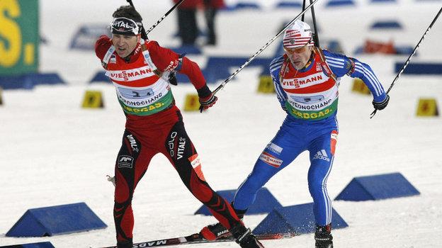 Оле Эйнар Бьорндален (слева) иМаксим Чудов. Фото Reuters