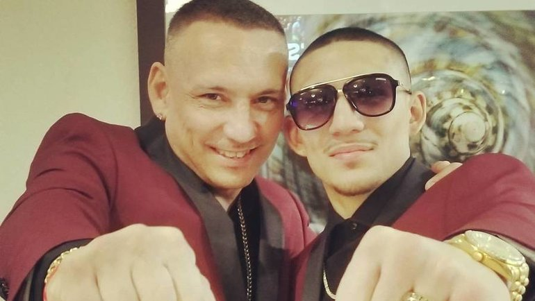 Теофимо Лопес-старший (слева) ссыном. Фото Instagram