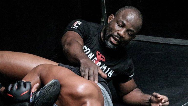 «Сирил всегда носит мою сумку. Сумку Нганну носил я». Онсоздал двух самых опасных тяжей UFC