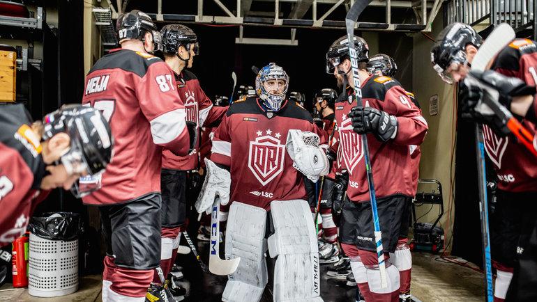 Власти Латвии отменили матч КХЛ, хотя команды вышли налед ибыли готовы играть