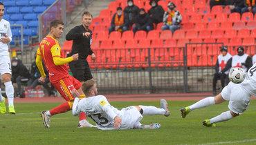 Ломовицкий забил втрех командах затри недели. Погребняк сыграл после трех месяцев без клуба