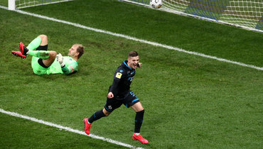 24октября. Москва. «Динамо»— «Сочи»— 3:1. Себастьян Шиманьски празднует забитый мяч.