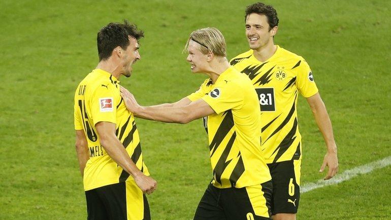 24октября. Дортмунд. «Боруссия Д»— «Шальке-04»— 3:0. Хозяева празднуют гол. Фото AFP