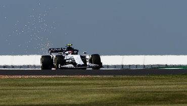 Квят получил пятисекундный штраф на «Гран-при Португалии»