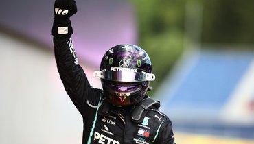 Хэмилтон превзошел рекорд Шумахера, Квят— последний среди финишировавших