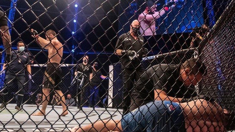 24октября. Абу-Даби. Хабиб Нурмагомедов после победы над Джастином Гэтжи. Фото UFC