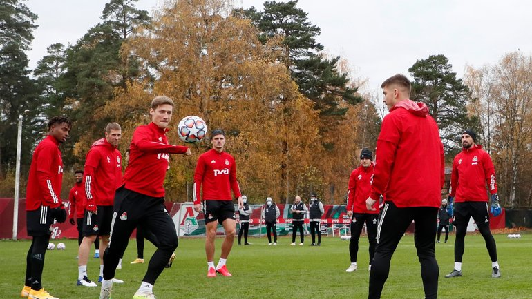 ТренировкаФК «Локомотив» перед матчем Лиги чемпионов с «Баварией». Фото AFP