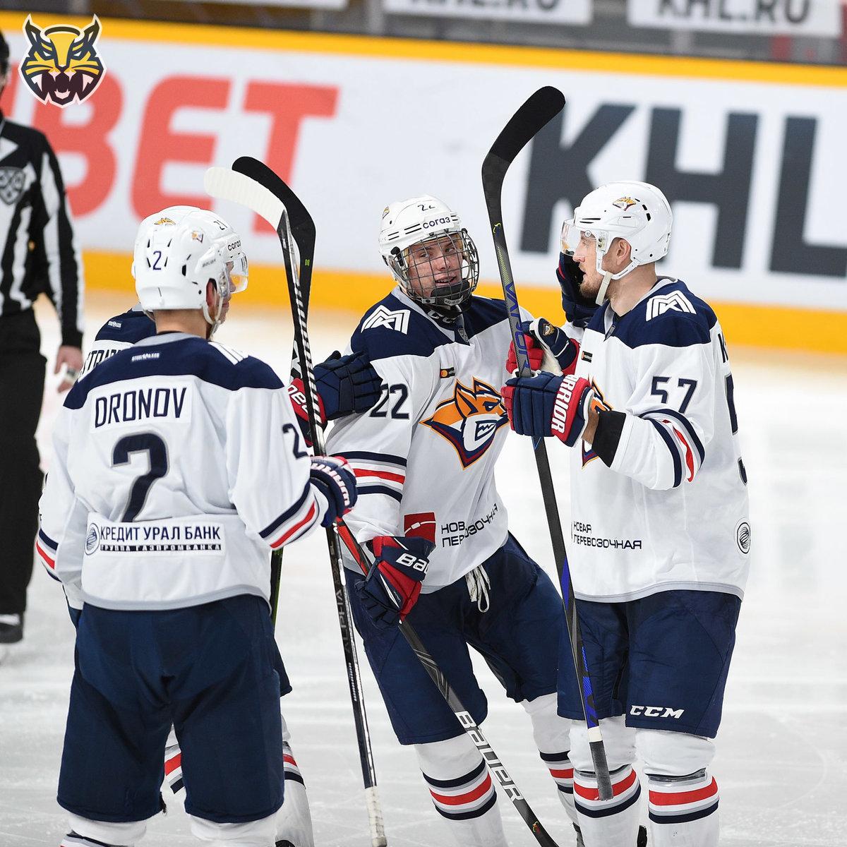 ВМагнитогорске появился большой талант. Онзабил вКХЛ в16 лет, раньше него— только двое чемпионов золотого Баффало
