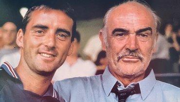 «Сампдория» выложила архивное фото Манчини иШона Коннери впамять обактере