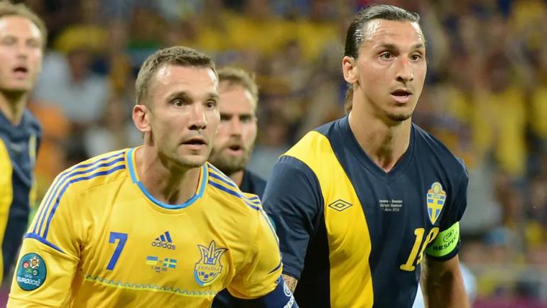 Андрей Шевченко и Златан Ибрагимович в матче Украины и Швеции. Фото Twitter