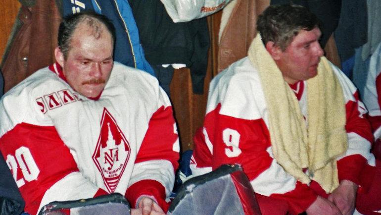 Геннадий Ушаков иВладимир Крутов вматче ветеранов хоккейной команды. Фото изархива Геннадия Ушакова