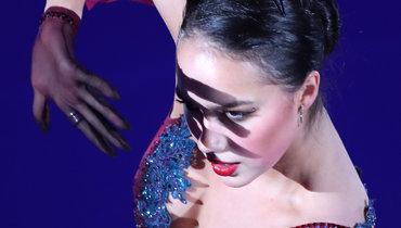7ноября. Москва. Алина Загитова вовремя выступления нафестивале «Влюбленные вфигурное катание».