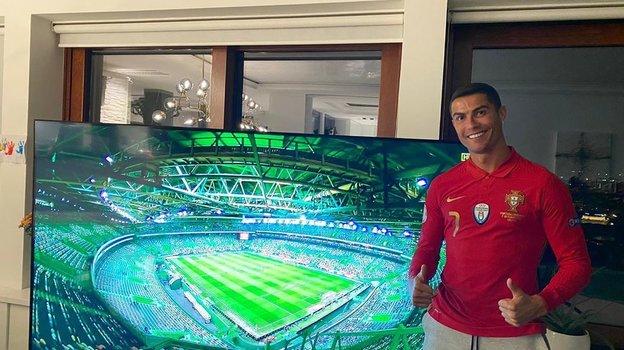 Криштиану Роналду переболел коронавирусом исмотрел матчи сборной Португалии дома. Фото Instagram