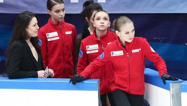 Александра Трусова, Камила Валиева иАнна Щербакова (справа налево).