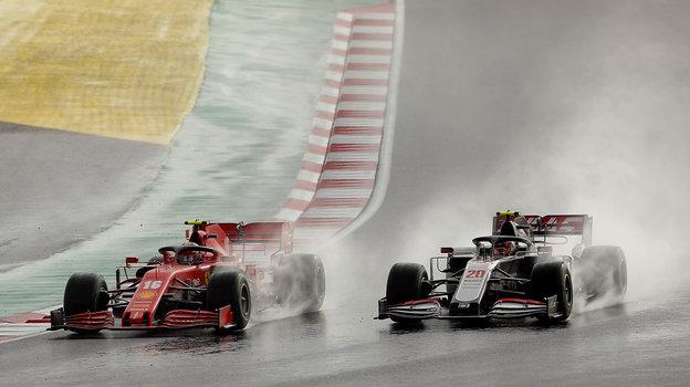 15ноября. Стамбул. «Гран-при Турции». Шарль Леклер иКевин Магнуссен. Фото Reuters