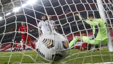 15ноября. Стамбул. Турция— Россия— 3:2. Мяч вворотах Гильерме.
