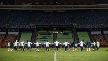 Олимпийская сборная Бразилии почтила память умершего в55 лет тренера