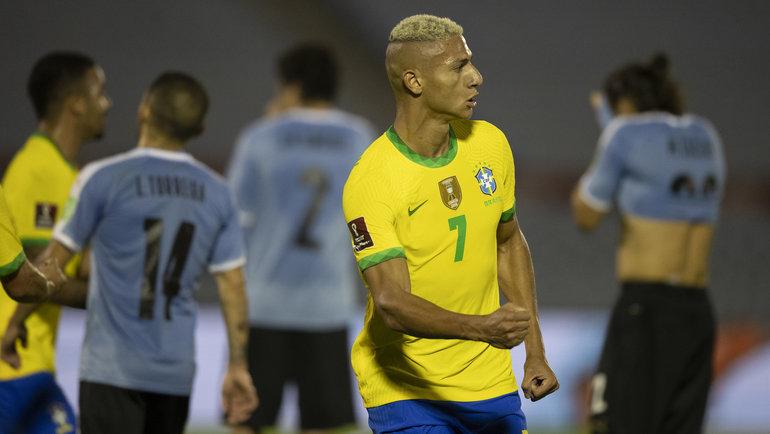 18ноября. Уругвай— Бразилия— 0:2. Ришарлисон празднует гол. Фото Twitter