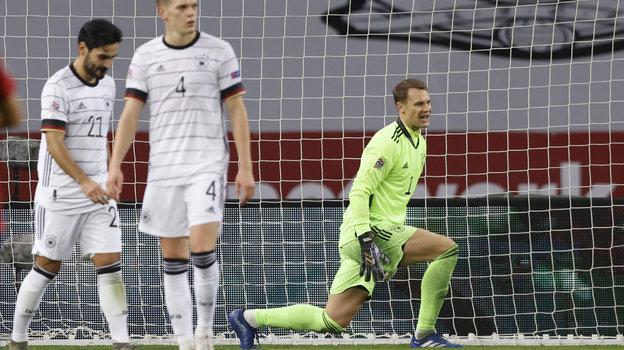 17 ноября. Севилья. Испания - Германия - 6:0. Мануэль Нойер. Фото Reuters