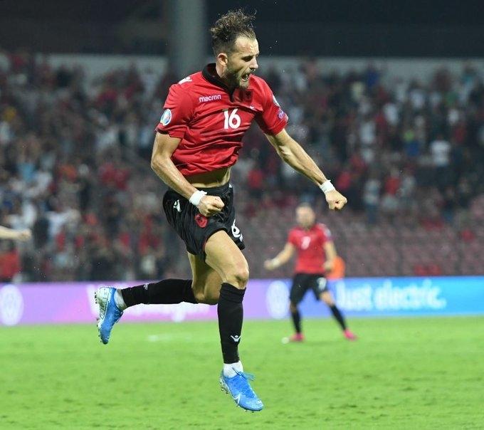 Албания - Белоруссия - 3:2. Сокол Чикалеши празднует гол в ворота белорусов. Фото Twitter