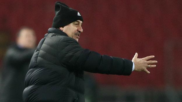 18ноября. Белград. Сербия— Россия— 5:0. Станислав Черчесов. Фото Reuters