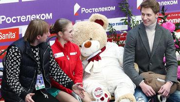 20ноября. Москва. Евгений Плющенко (слева) иАлександра Трусова.