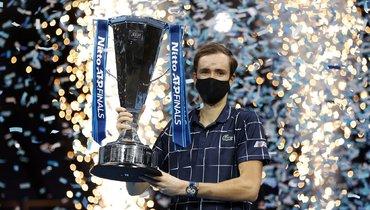 Медведев: «Рад, что удалось закрыть последний Итоговый турнир вЛондоне российским флагом»