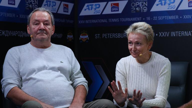 Ольга иСергей— родители Даниила Медведева. Фото FormulaTX