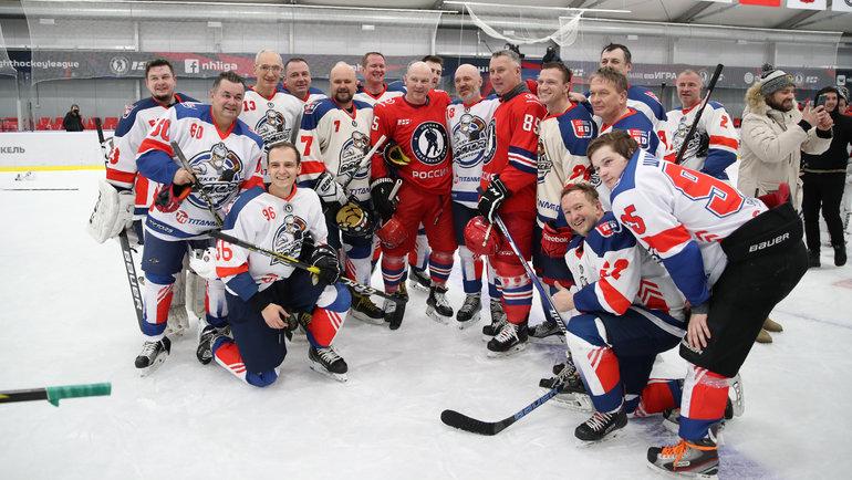 Общая фотография после матча. Фото Ночная хоккейная лига