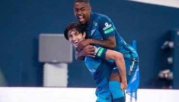Нападающие «Зенита» Сердар Азмун иМалком прилетели скомандой вРим наматч Лиги чемпионов.