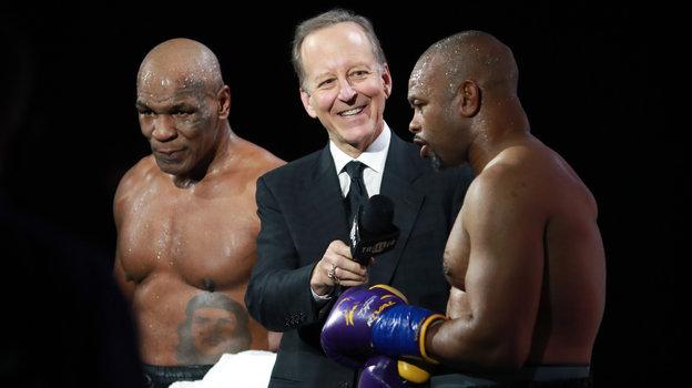 29ноября. Лос Анджелес. Обе легенды заявили, что никакой ничьи небыло. Каждый изних уверен всобственной победе. Фото USA Today Sports