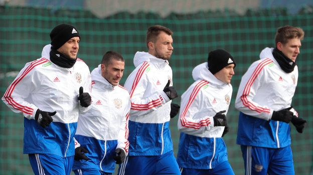 Футболисты сборной России на тренировке. Фото Дарья Исаева, «СЭ» / Canon EOS-1D X Mark II