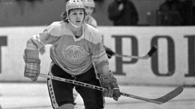 1980 год. Игорь Ларионов— хоккеист воскресенского «Химика». Фото Сергей Колганов