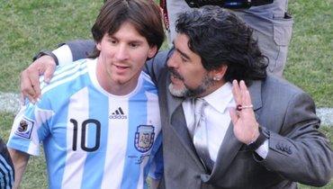 Сын Марадоны призывает вывести изобращения в «Барсе» номер 10. Под ним играет Месси