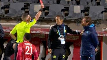 Виллаш-Боаш получил красную карточку вматче с «Нимом»