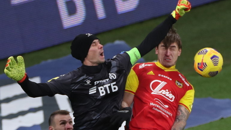 6декабря. Москва. «Динамо»— «Арсенал»— 1:0. Антон Шунин спасает ворота.