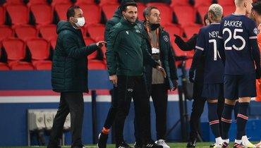 Себастьян Колцеску (второй слева). Фото AFP